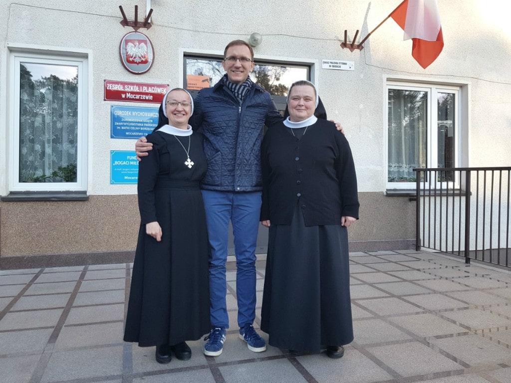 Marcin zsiostrą Elwirą isiostrą Benedyktą - Dom Mocarzy