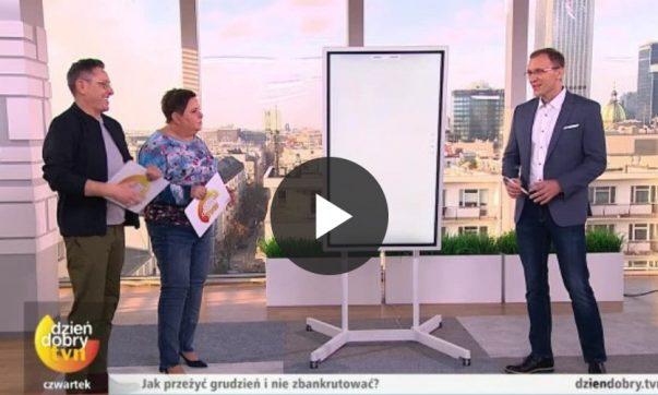 Marcin Iwuć wstudiu TVN opowiada jak niezbankrutować wświęta