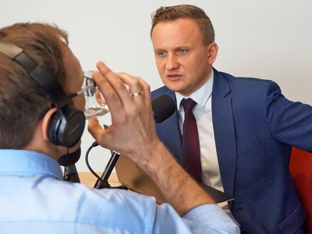 Bartosz Marczuk iMarcin Iwuć rozmawiają oPracowniczych Planach Kapitałowych (PPK) - zdjęcie nr2